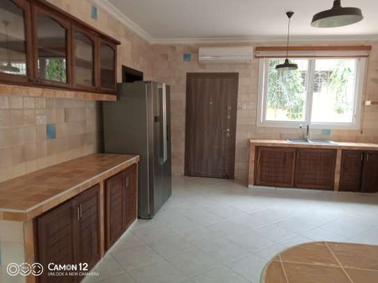 4bdrm villa house for rent in oyster bay image 12