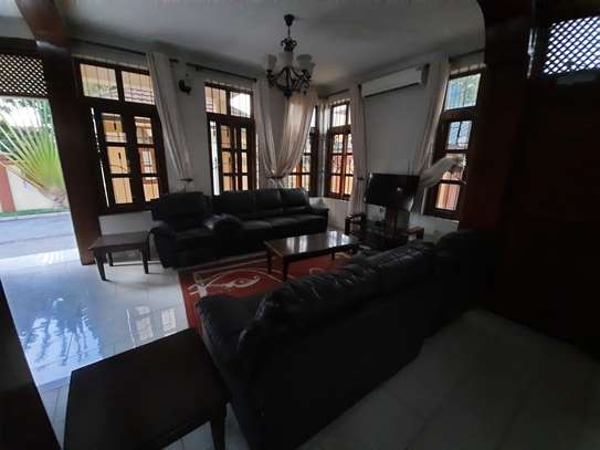 3 BEDROOMS CLASSIC VILLAH FOR RENT image 9