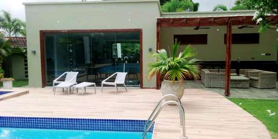 VILLAS FOR RENT AT BAHARI BEACH image 8