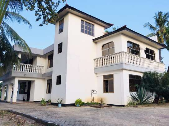7 bedroom house for sale at mikocheni Ovacado image 1