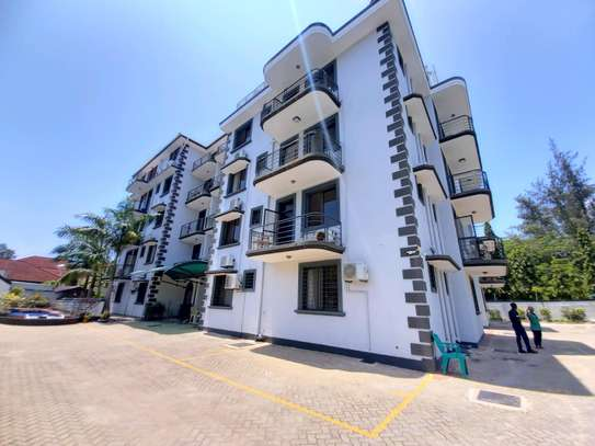 Luxury 3bhk apartment fully furnished for rent image 2