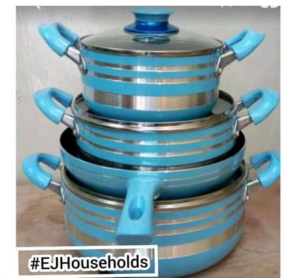 Cookware set. image 1