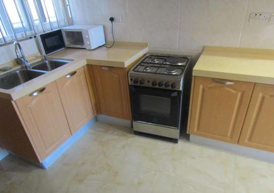 1 & 2 Bdrm Luxury Full Furnished Apartments in Oysterbay image 4