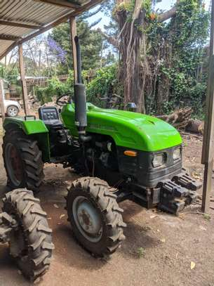 Tractors 4WD 30HP - New Tractor Loader and Hoe image 10