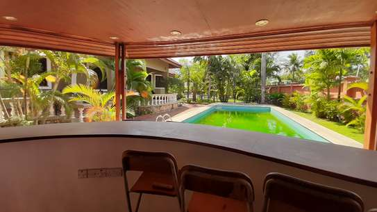 4 Bedrooms Executive House For Rent in Masaki image 5