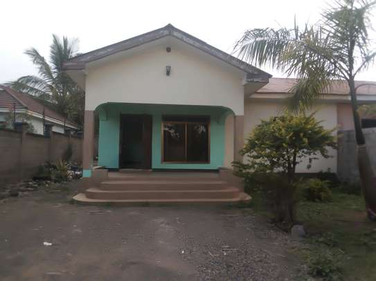 3BEDROOM HOUSE FOR RENT IN NJIRO,ARUSHA image 1