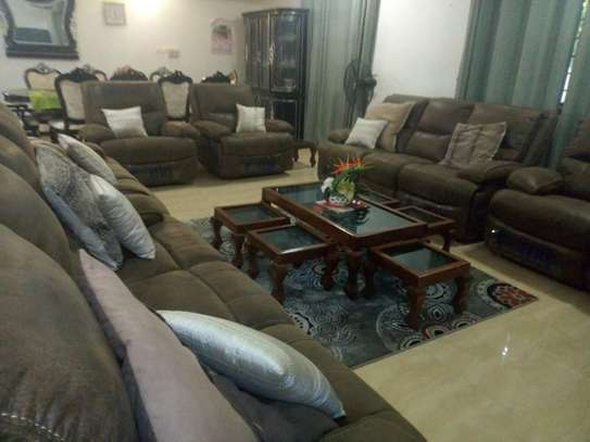 4bed room house  fully furnished at mbezi beah tank bovu $2500pm image 6
