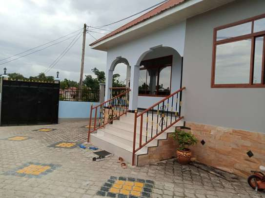 3 Bedrooms House for Sale, Kimara image 9