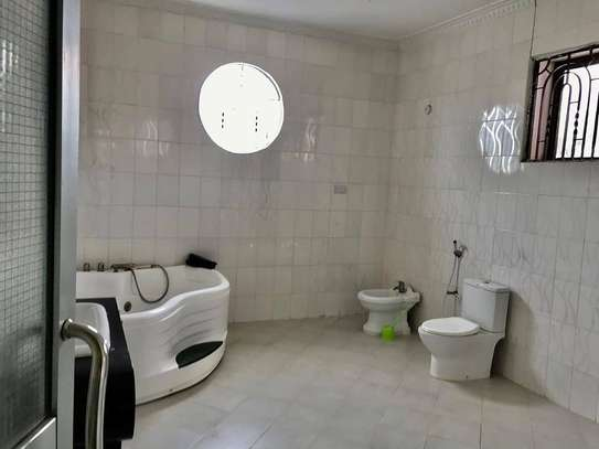 5 bed room all ensuite for rent at ununio image 9