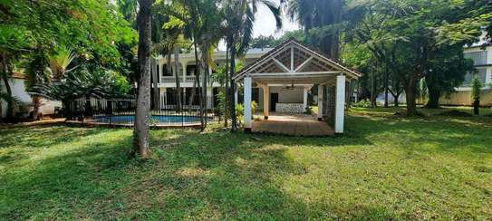 a 5bedrooms  BUNGALOW  is now available for SALE at OYSTERBAY few metres away from the ocean image 3