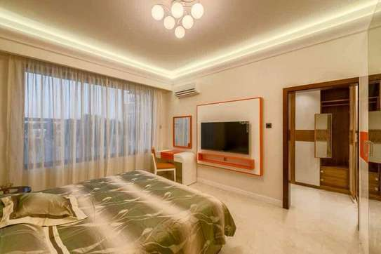 4 Bdrm  Apartment in Oysterbay image 2