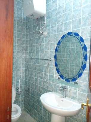 2 Bedroom apart fully furnished near America embassy image 9
