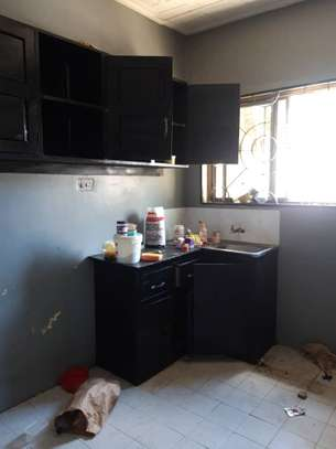 3bed room house at victoria tsh 600000 image 5