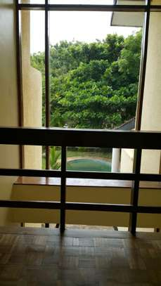 4 Bedroom fully furnished house in Oysterbay image 5