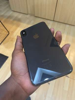 iPhone XS Max 64GB spacegray  For sale image 2