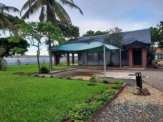 HOUSE FOR RENT AT MBEZI BEACH RAINBOW image 1
