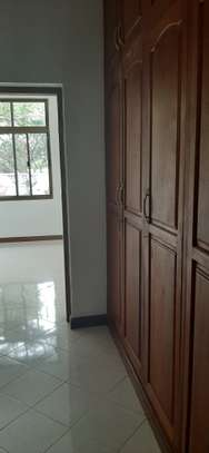 4 Bedrooms Large Bright House For Rent in Oyster bay image 12