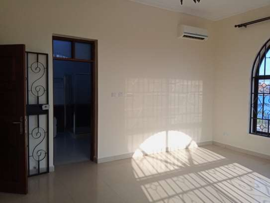4bed house for rent at msasani $2000pm image 7