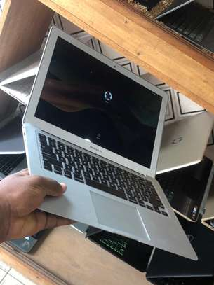 MacBook Air 2013 (13-inches core i5 USED UK ?? image 2