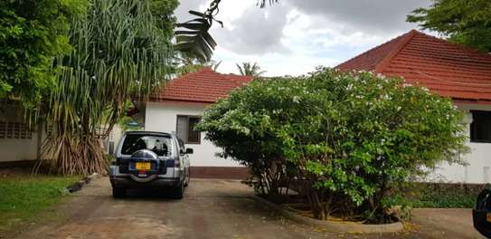 3bed house at ada estate  stand alone  f image 4
