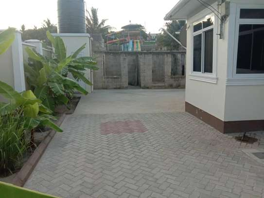 3 bed room big house for sale  at kigamboni image 6