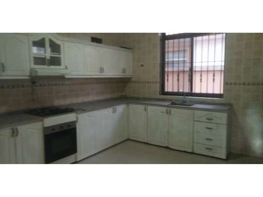 10bed all ensuet  2houses in the compound at mikocheni a near the main rd  i deal for office image 4