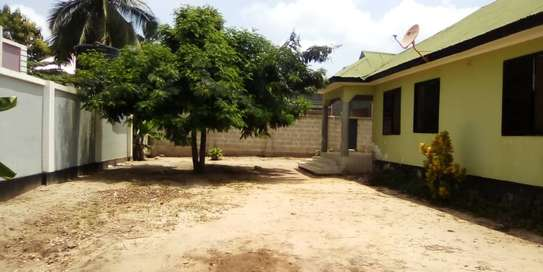 3 bed room house for sale  at madale image 5