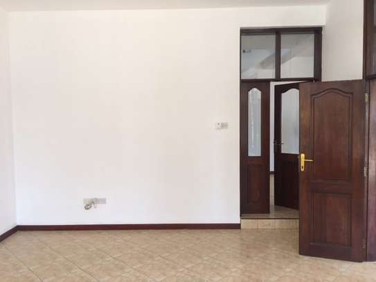 Contemporary 4-bedroom house for rent in Masaki