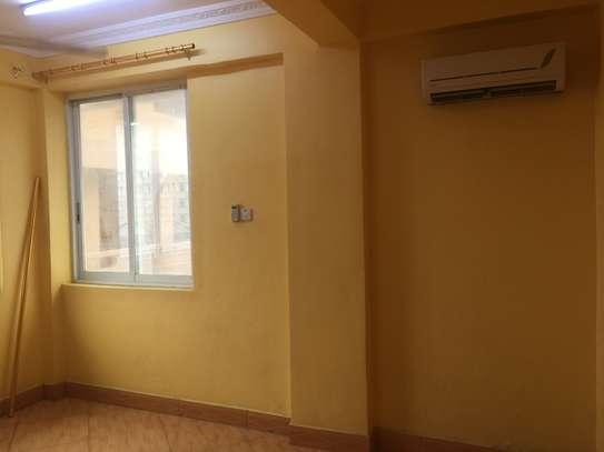 3 bedrooms apartments (kariakoo ) for rent NEW image 9