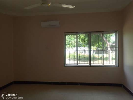 4bed house at oyster bay with big compound $3500pm image 14