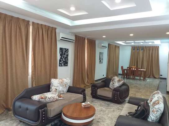 4 BDR VILLA AT OYSTERBAY -TOURE DRIVE/ FOR RENT NEXT TO GOLDEN TULIP HOTEL image 5