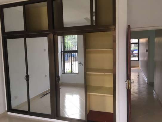 3 Bedroom Apartment / Flat for sale in Upanga image 2