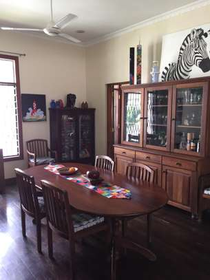 4 Bedrooms Pool House For Rent in Oysterbay image 11