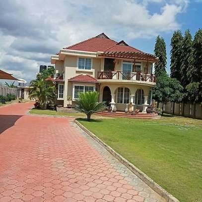 DOUBLE STOREY HOUSE FOR SALE IN BUNJU image 1