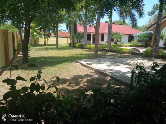 3bed all ensuet at oyster bay  near coco beach h l image 6