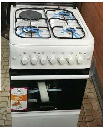 WESTPOINT 3 GAS HOBBS + 1 ELECTRIC HOT PLATE + ELECTRIC OVEN