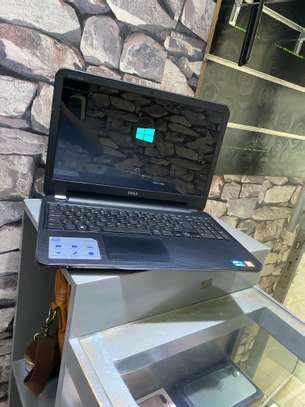 Dell Inspiron 15 core i3 for sale image 1