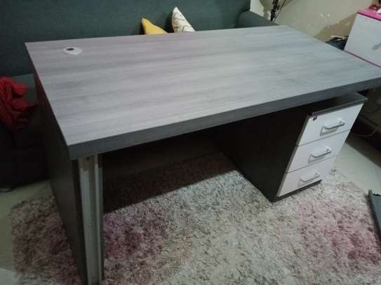 Office tabel for sale