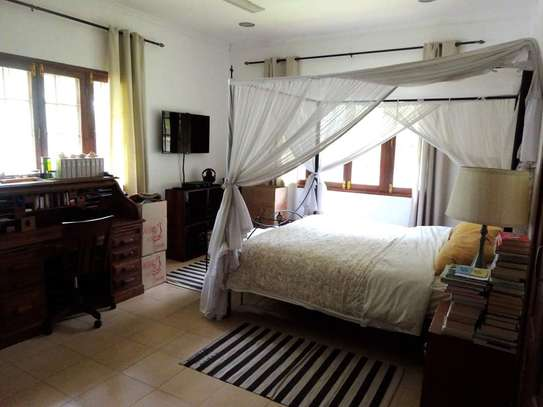 4 Bedrooms Beautiful Home For Rent In Oysterbay image 2