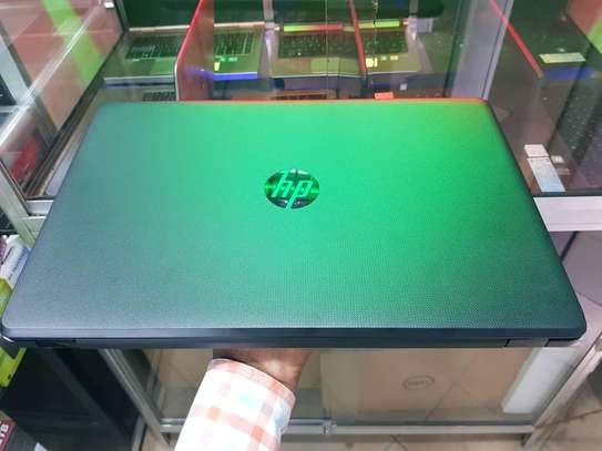 HP LAPTOP image 3
