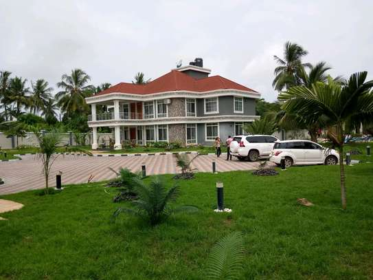 5 Bdrm Executive New Bungalow House Sqm 3500. in Mbezi Beach image 4