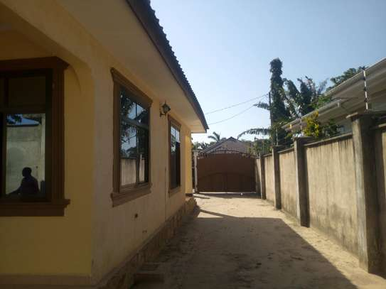 2bedroom House for sale at Boko beach. Tsh 90M image 15