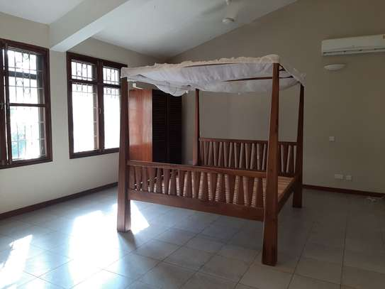 4 Bedrooms Clean House For Rent in Masaki image 6