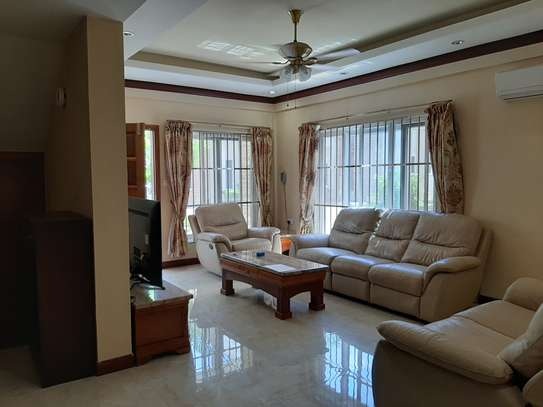 3 Bedrooms Immaculate Homes For rent In Oysterbay image 11