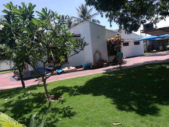 4bed room house at mbez africana TSH 1million image 6