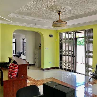 5 bed room all ensuite for rent at ununio image 3