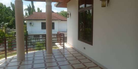 4 bed bed room all ensuet house for rent at mikocheni a image 10