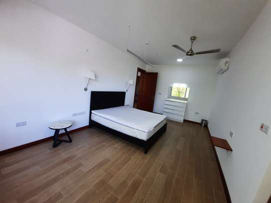 3 BEDROOMS LUXUARY APARTMENT FOR RENT image 7
