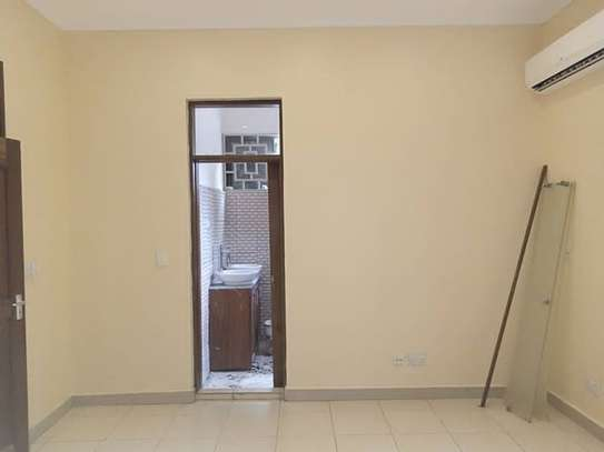 Stand alone house with 4 Bedrm for rent at OYSTERBAY image 11