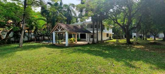 a 5bedrooms BUNGALOW  alongside the beach in OYSTERBAY is now available for SALE image 1